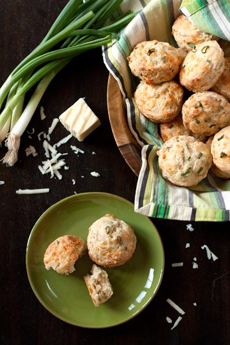 cheddar scallion scones