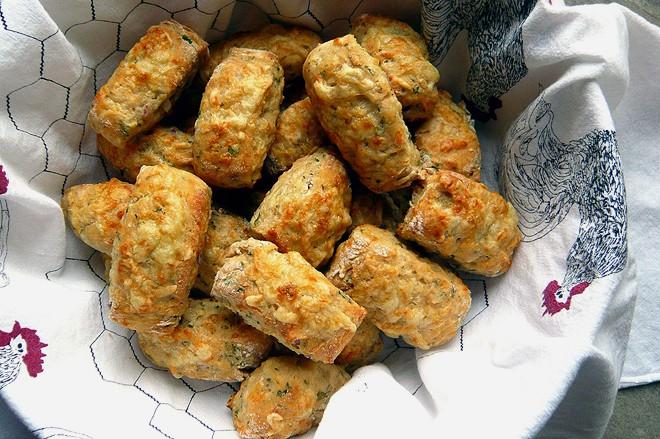cheddar-scones
