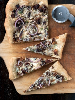 caramelized-fennel-pizza