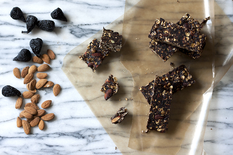 figgy-granola-bars