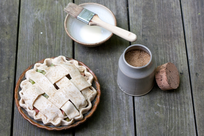mini-rhubarb-pie